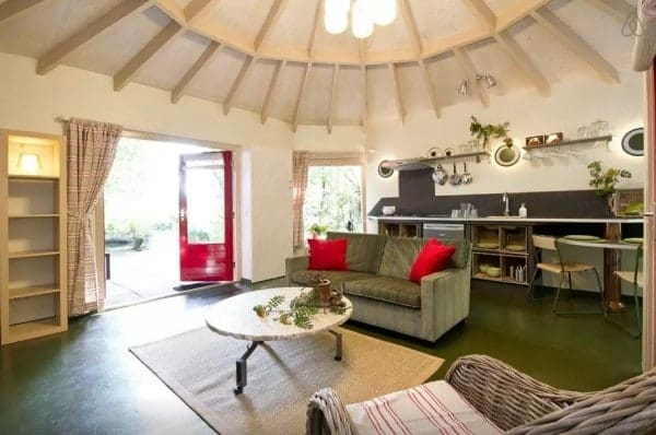 Octagon-Cottage-Netherlands-005-600x398
