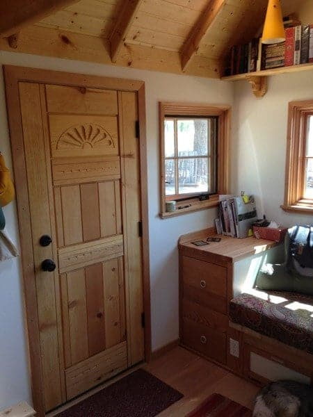 smart-couple-design-build-and-live-simply-in-170-sq-ft-tiny-home-001