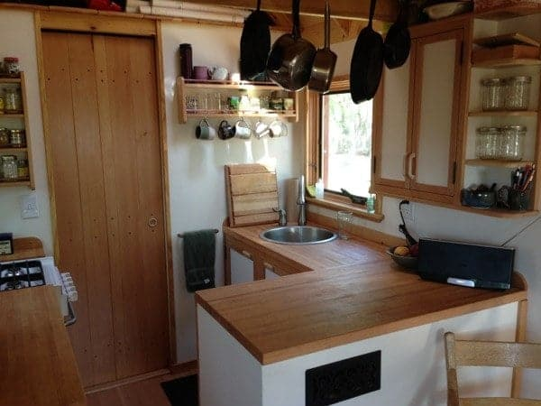 smart-couple-design-build-and-live-simply-in-170-sq-ft-tiny-home-004
