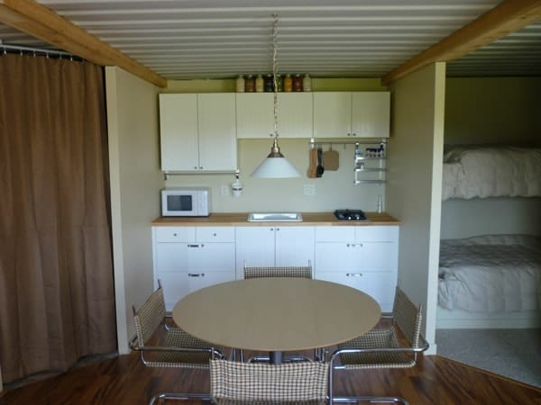 tin-can-cabin-shipping-container-tiny-house-005