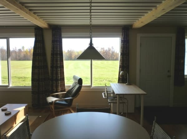 tin-can-cabin-shipping-container-tiny-house-008