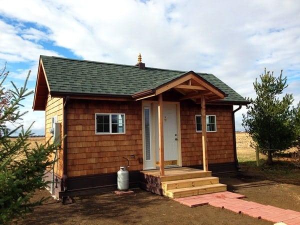 vastu-tiny-cabin-001