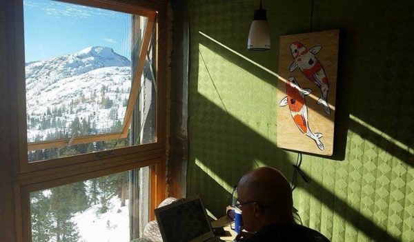 Container-Cabin-Tahoe-National-Forest-Office-with-a-view