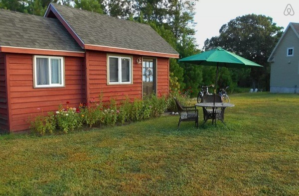 Peaceful & Private 225 Sq. Ft. Vacation Cottage By The Ocean