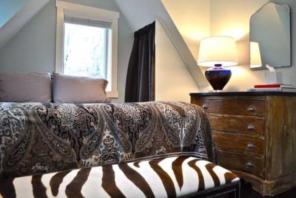 Birdhouse-Downtown-Asheville-Tiny-Living-0011-600x402