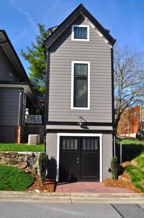 Birdhouse-Downtown-Asheville-Tiny-Living-0018-600x907