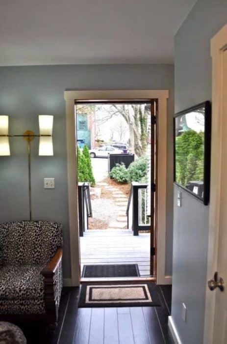Birdhouse-Downtown-Asheville-Tiny-Living-002b-600x907