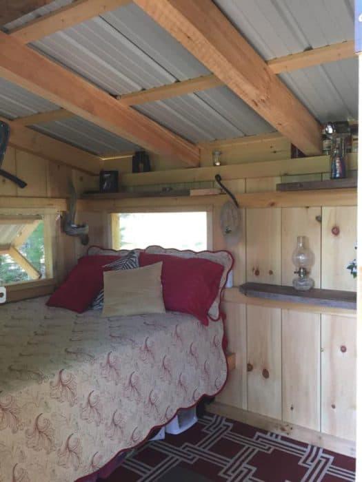 bus-plus-tiny-house-3