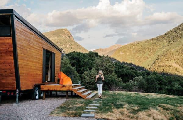 going_mobile_woody_the_trailer_cedar_exterior_profile