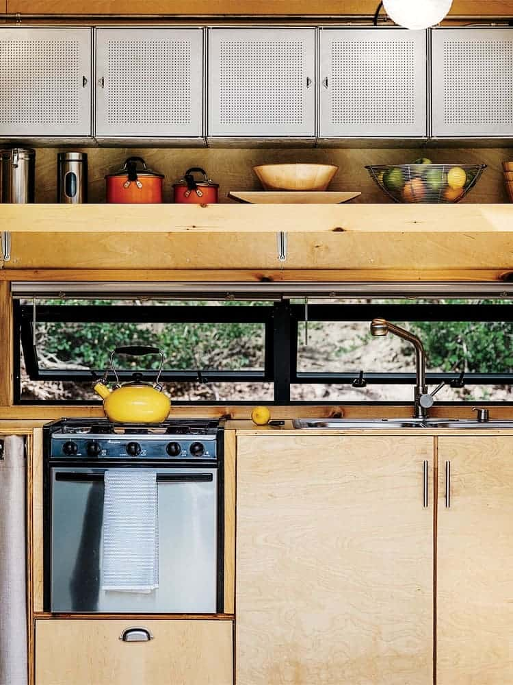 going_mobile_woody_the_trailer_container_store_galvanized_steel_shelving