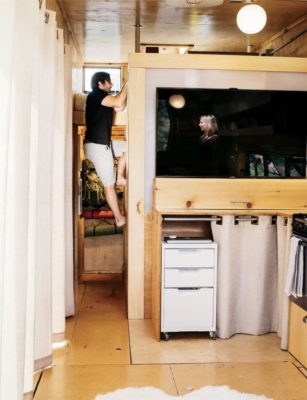 going_mobile_woody_the_trailer_samsung_smart_tv