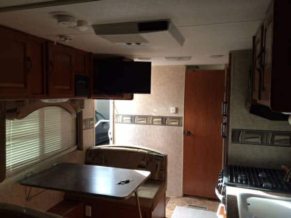 travel-trailer-tiny-house-10