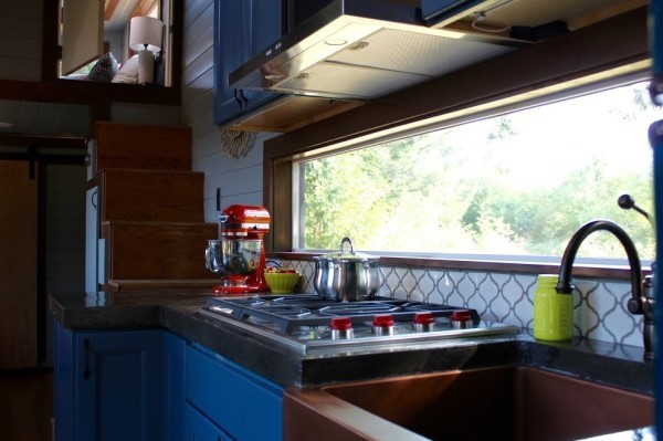 Modern-Tiny-Cabin-on-Wheels-by-Tiny-Heirloom-004-600x399