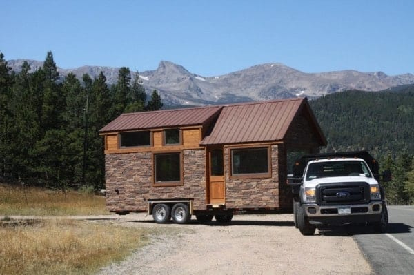 Tiny-Stone-Cottage-on-Wheels-by-Simblissity-001-600x399