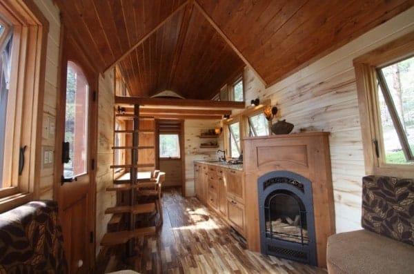 Tiny-Stone-Cottage-on-Wheels-by-Simblissity-002-600x397
