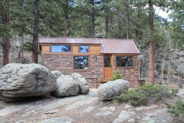Tiny-Stone-Cottage-on-Wheels-by-Simblissity-0021-600x400