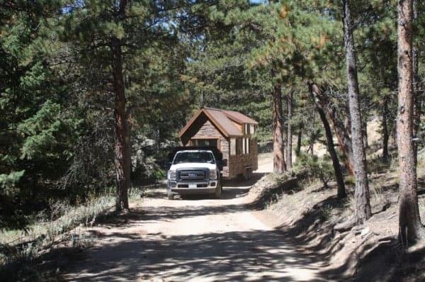 Tiny-Stone-Cottage-on-Wheels-by-Simblissity-0023-600x398