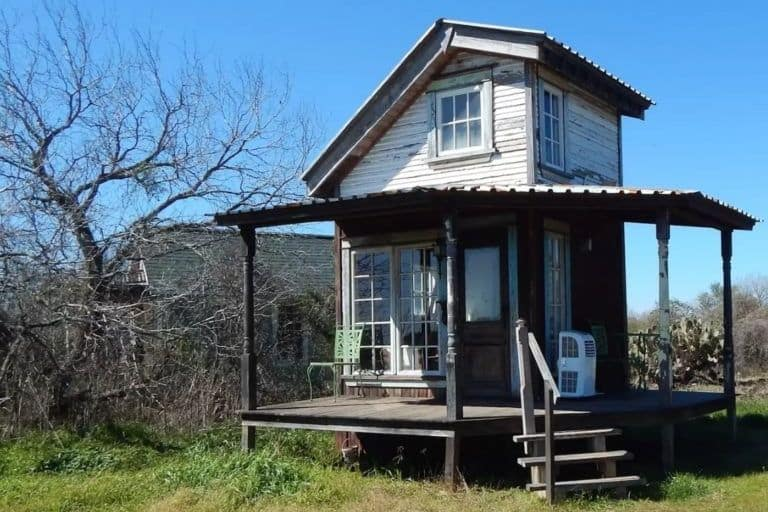 Tall tiny texas and terrific the kidd cottage for Texas small homes