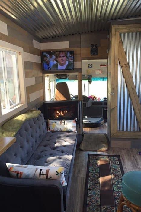 Bodega Bus 2