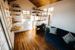 Wind River's Monocle is a sunny farmhouse with a super-elegant bathroom