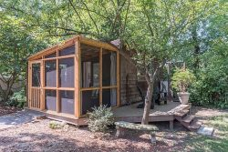 Tiny Urban Cottage for overnights in Cabbagetown, Atlanta