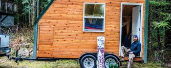 Tiny House Offers Winter Freedom For This Snowboarder