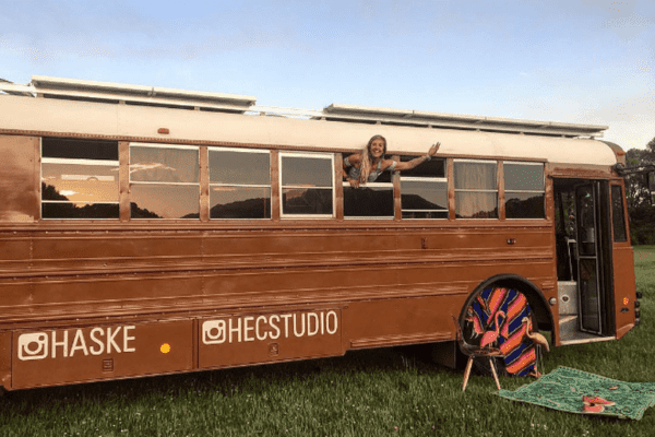 DIY-free bus life from Charlie Kern's Look At That Bus