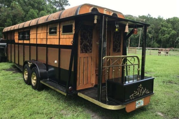 David Carlyle's luxe, low-cost horse trailers