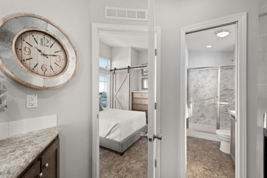 Luxury park model w/ wraparound porch is a must see!